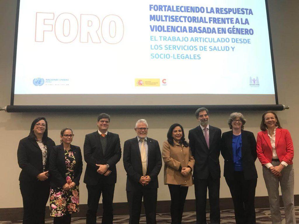 Representantes del Ministerio de la Mujer y del Sistema de Naciones Unidas en Foro Público (Lima 2019)